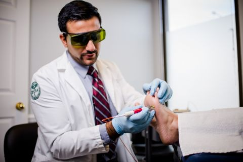 Laser treatment care: Clinique Podiatrique de Gatineau