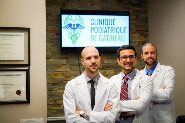 Pediatricians at the Clinique Podiatrique de Gatineau, they treat your feet